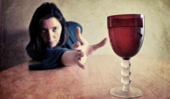 Признак алкоголизма у женщин xnj nfrjt лечении алкоголизма