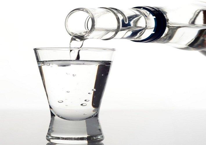 налить водки