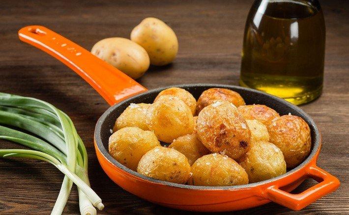 картошка в кожуре