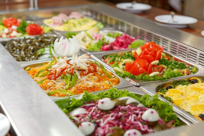 Много салатов