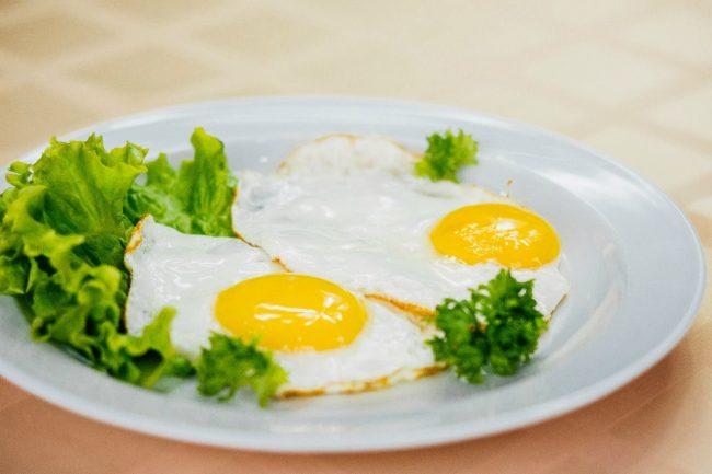 Еда на ночь не полнит: миф или правда