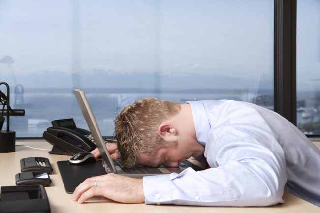 Ежедневные утренние привычки, которые могут вам навредить