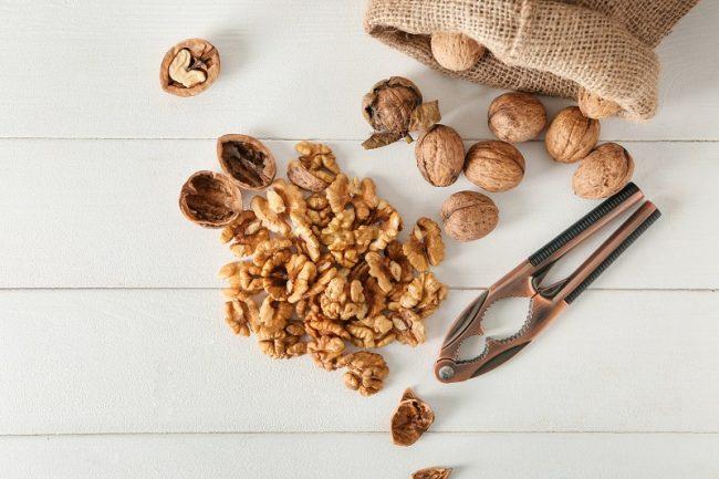 Колотые орешки