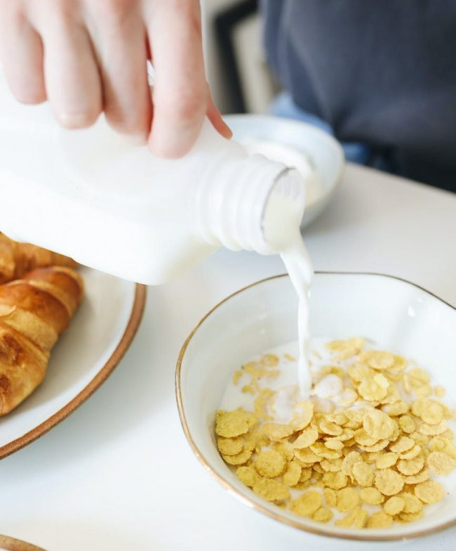 Почему кефир полезнее молока: 5 фактов в пользу кефира