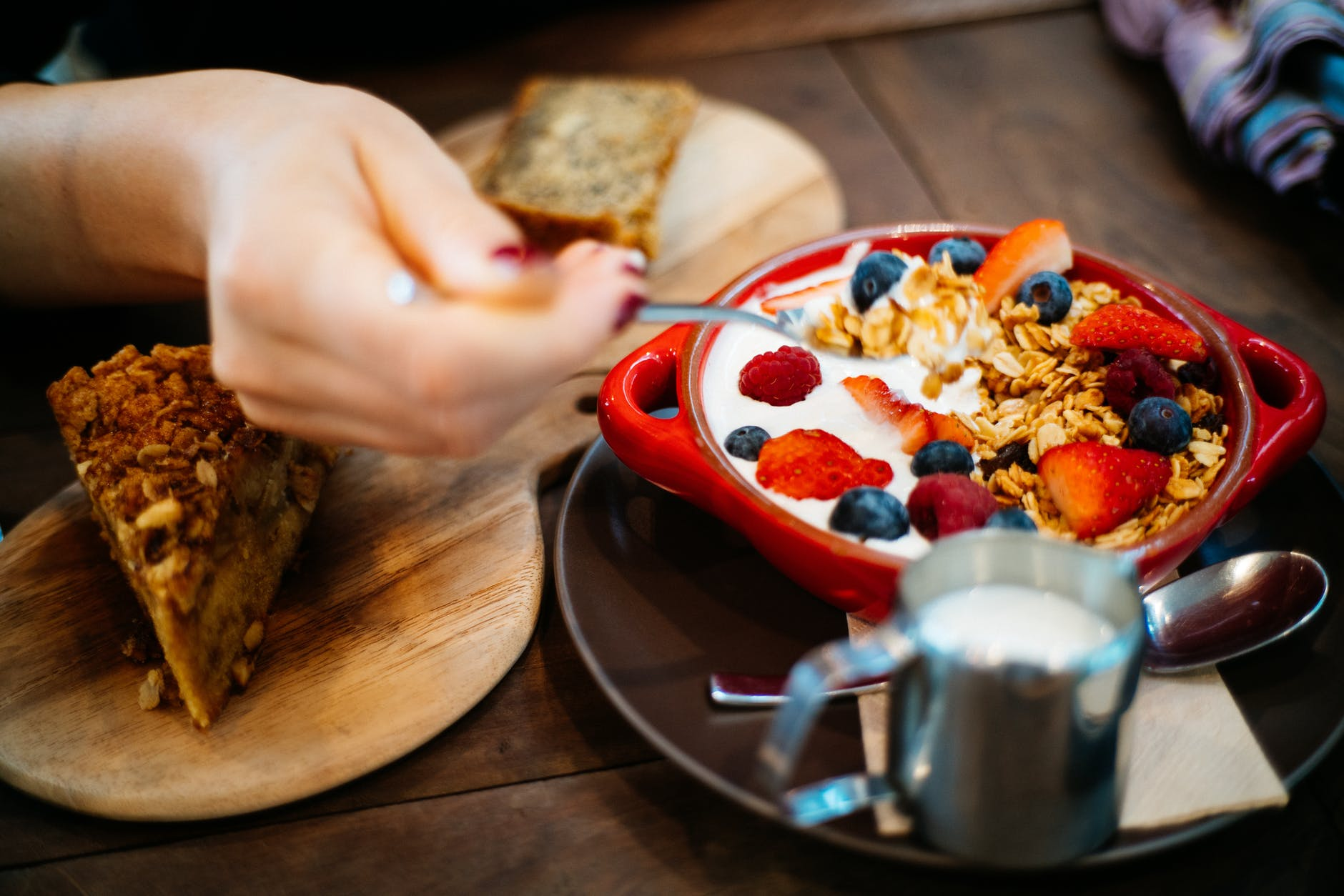 Кому он нужен этот завтрак: 5 советов, как организовать питание в течение дня, чтобы организм не голодал