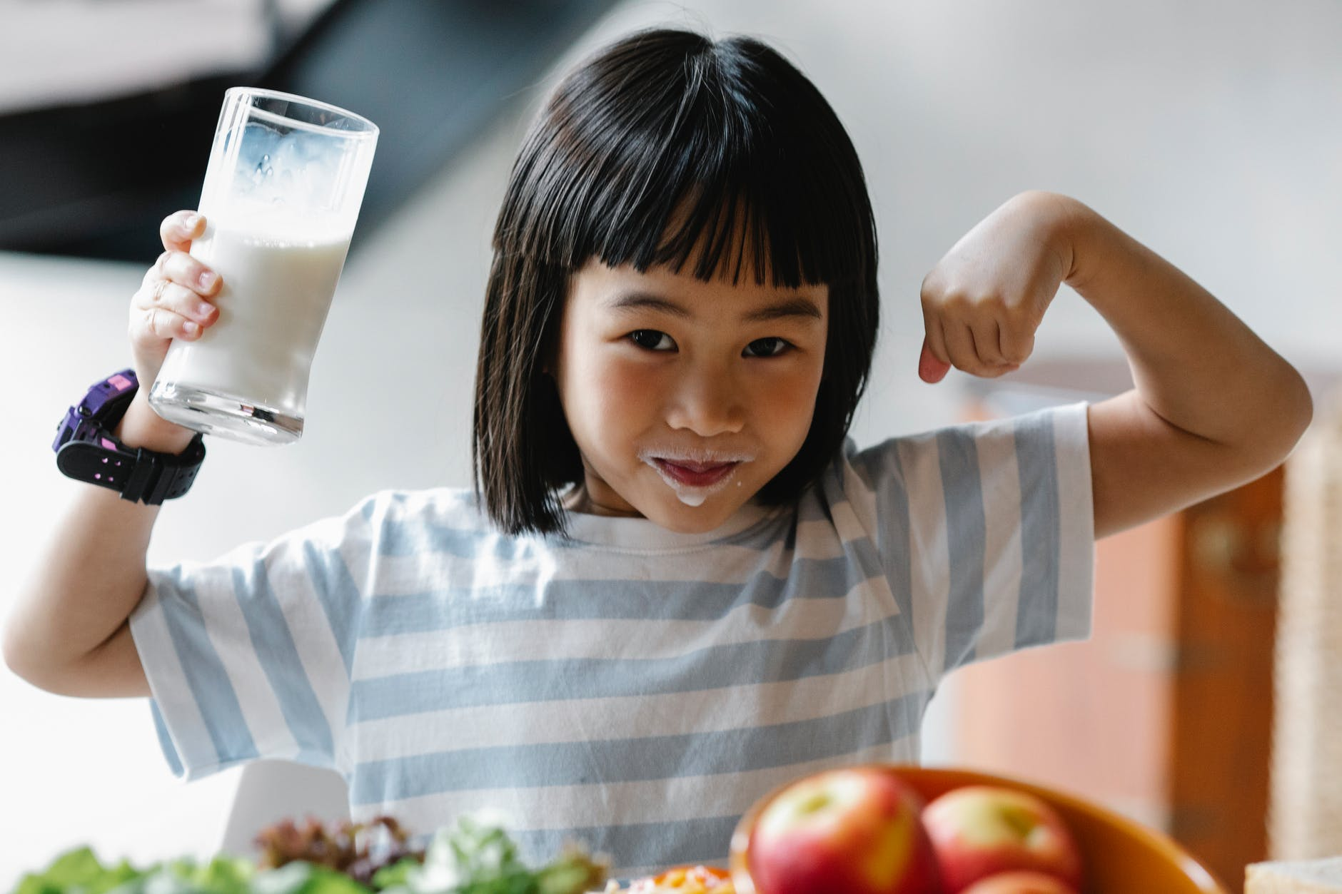 Пастеризованное молоко - бесполезный продукт: разбираемся так ли это