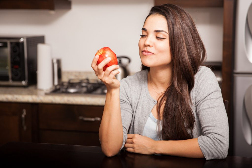 Как правильно жевать пищу взрослым и детям