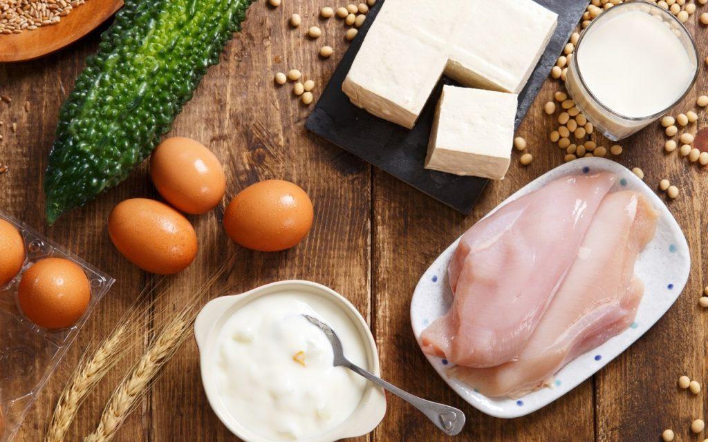 С чем нельзя есть яйца и в каком случае вредное сочетание является мифом